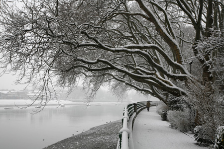 Thames Path snow Fulham